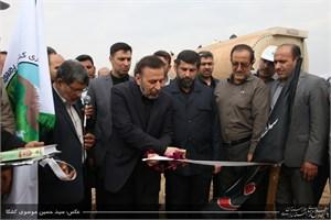 آغاز مالچ پاشی توام با نهال کاری ۱۱ هزار هکتار از شن زارها و بیابانهای خوزستان