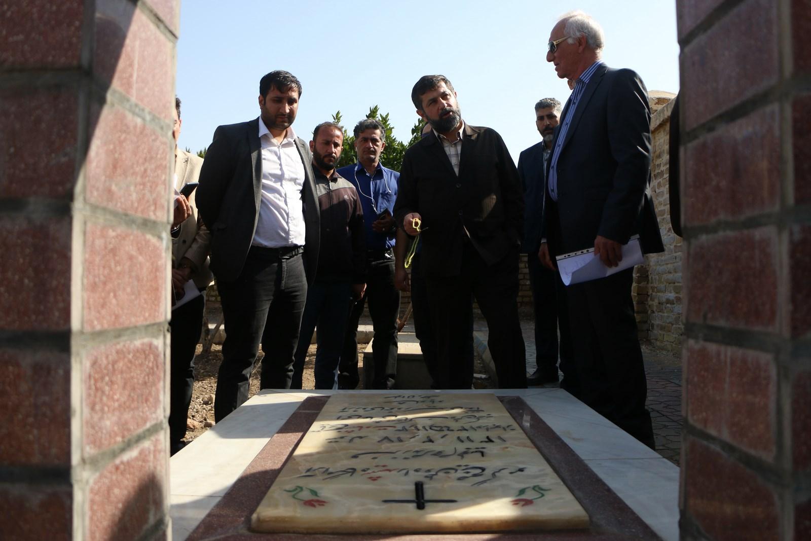 بازدید استاندار خوزستان از اماکن مقدس اقلیتهای مذهبی خوزستان