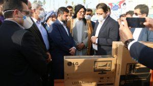 توزیع اقلام تجهیزاتی و لوازم التحریر به مدارس بخش غیزانیه / ۲ مدرسه جدید در غیزانیه افتتاح می شود
