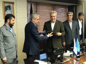 استاندارخوزستان در مراسم امضا تفاهم نامه گردشگری آبی: رود، سد و تالاب ظرفیتهای گردشگری آبی خوزستان