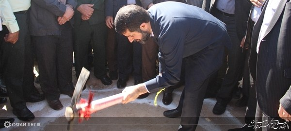 کلنگ زنی اجرای فاز اول عملیات آبرسانی به روستاهای شاوه رامشیر با حضور استاندار