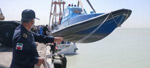 با حضور وزیر راه و شهرسازی یک فروند قایق گشت دریایی ساخت داخل در بندر امام به آب انداخته شد