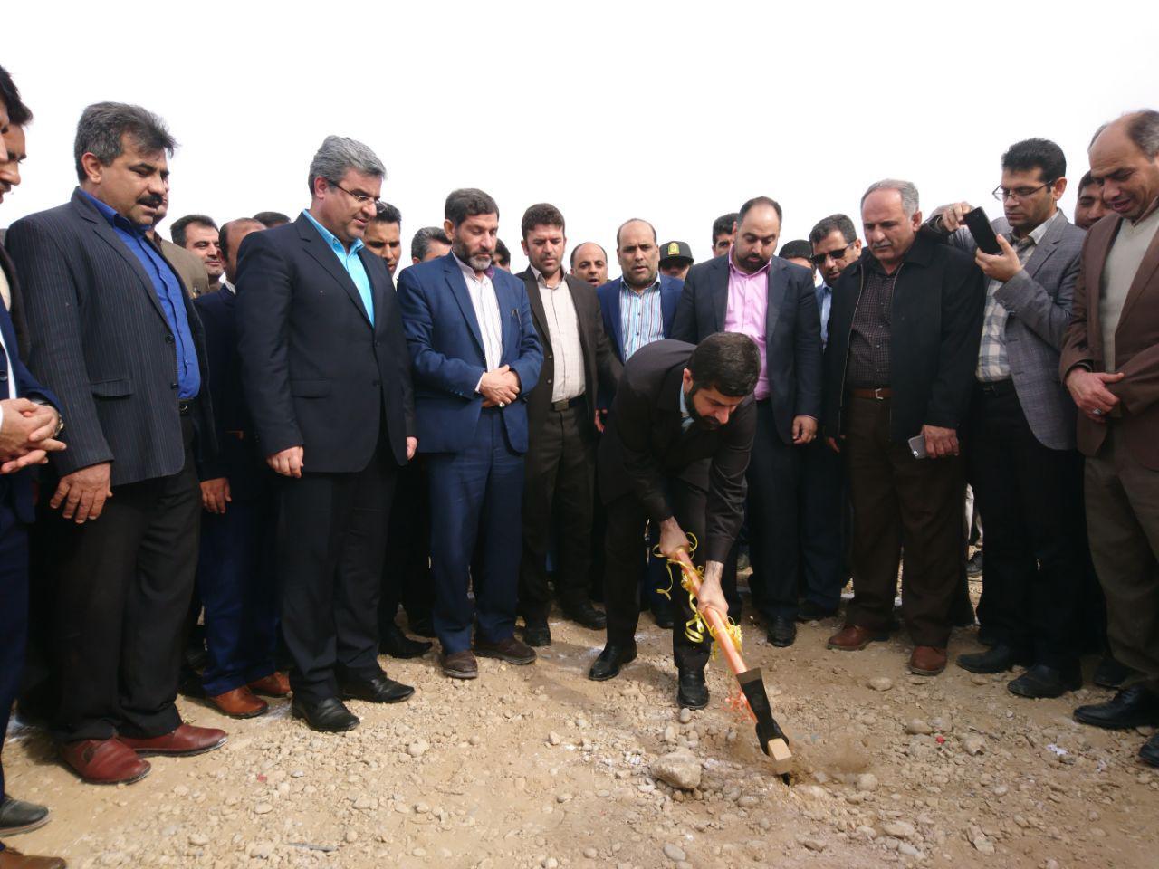 عملیات اجرایی احداث 22 باب مدرسه در شهرستان های شوشتر و گتوند با حضور استاندار خوزستان آغاز شد